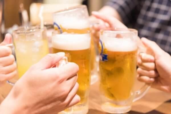 会社の飲み会のイメージ