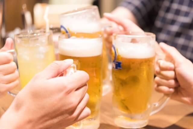 職場の飲み会のイメージ