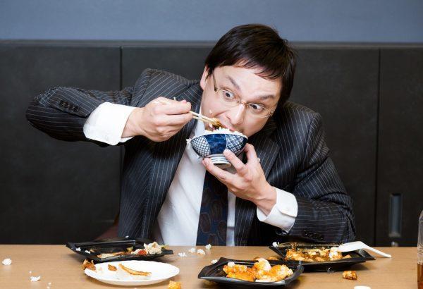 食べ方が汚い人の特徴と注意の仕方!キレイな食べ方に改善する方法