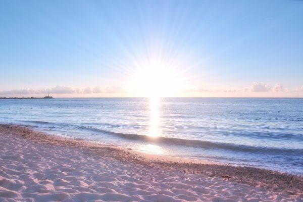 朝日のように強い光を浴びる効果