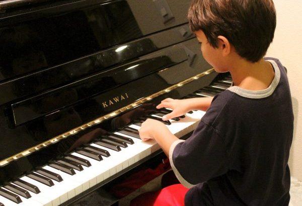 ピアノは何歳から習うべき?ピアノを習い始める前に必要な心構え