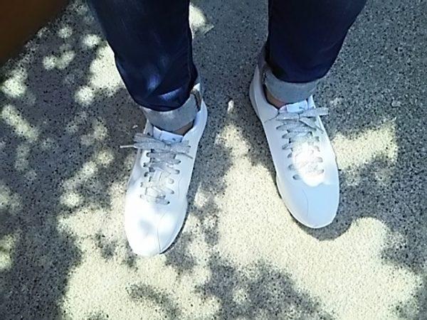 PUMAの真っ白スニーカー 履いてみた