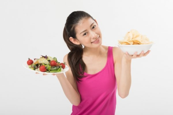 食欲を抑える方法7選!間食したい気持ちをごまかす6つのコツも