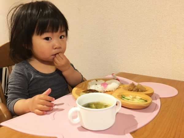 子供がご飯を食べるのが遅い7つの原因