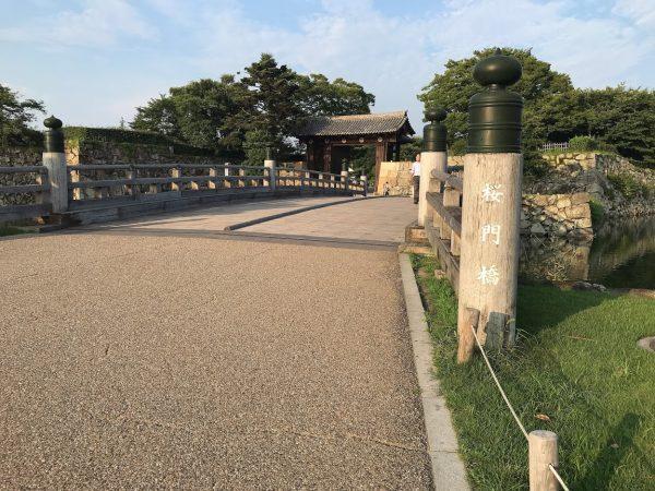 姫路駅から姫路城まで徒歩で行く方法16
