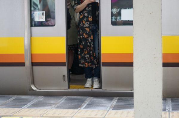 電車内でのトラブルを避ける5つのコツ