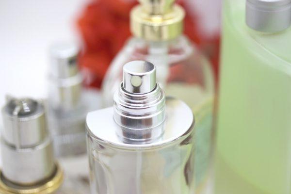フワッと香る程度にする香水のつけ方