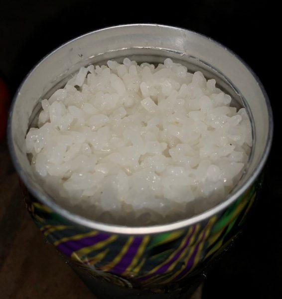 空き缶でご飯を炊く 完成