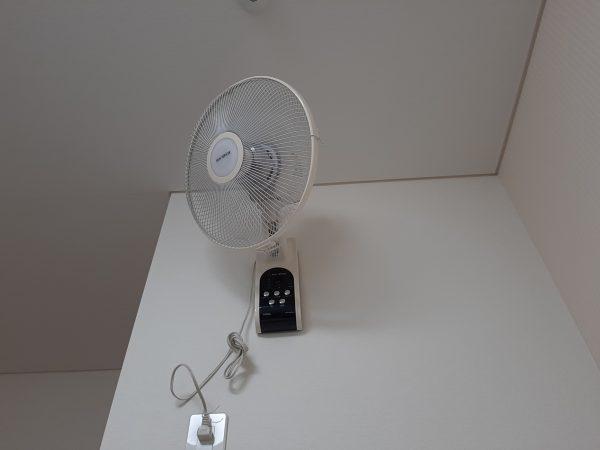 部屋干し 扇風機の風をあてる